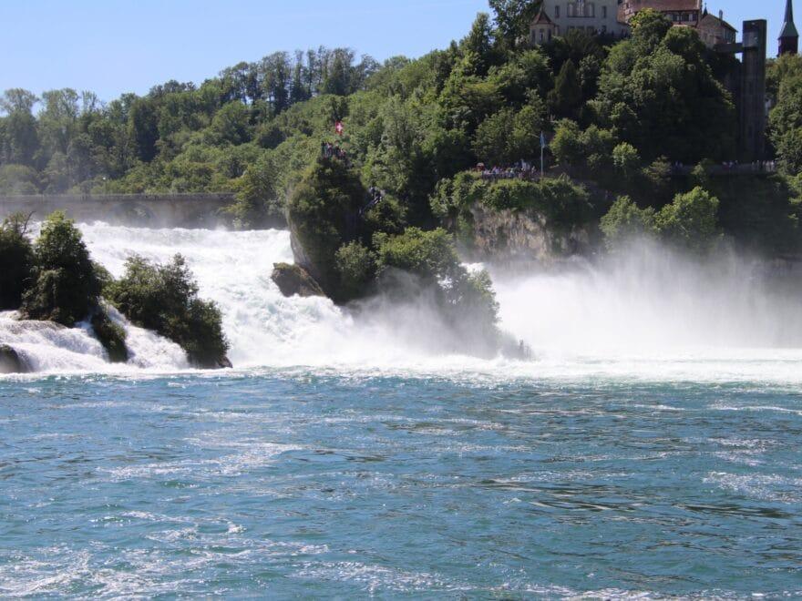 Blick auf den Rheinwasserfall unterhalb