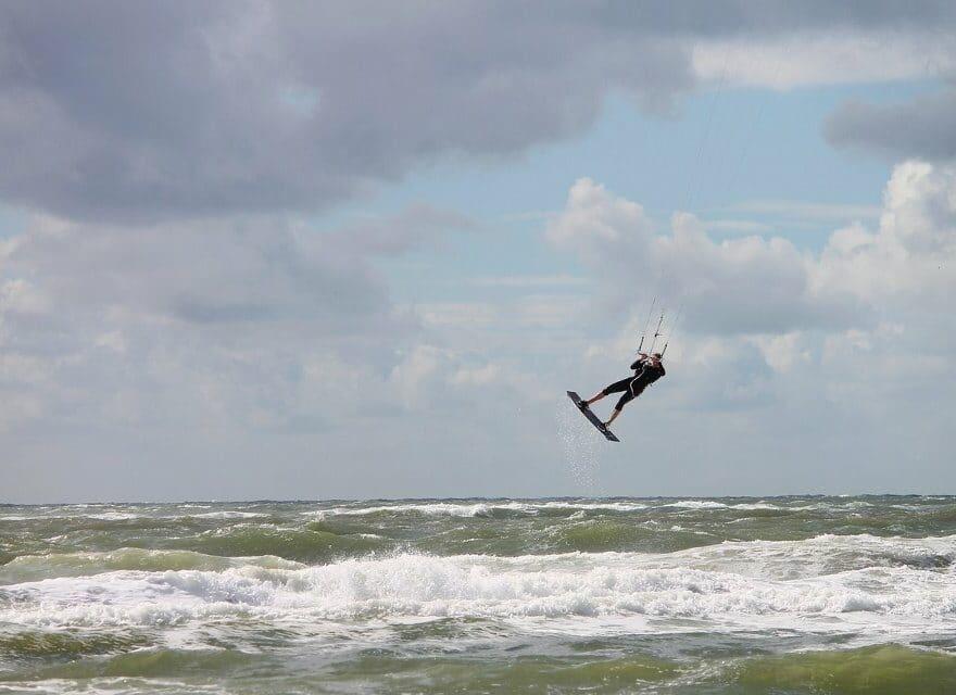 Bei extremen Wind loslassen