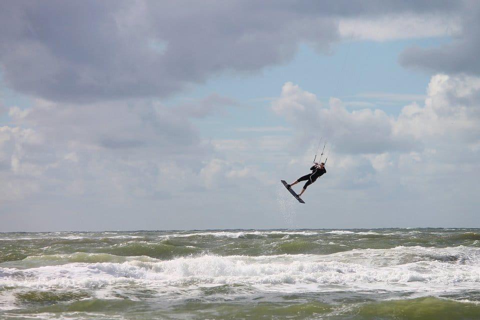 Kitsurfer - Bei extremem Wind loslassen