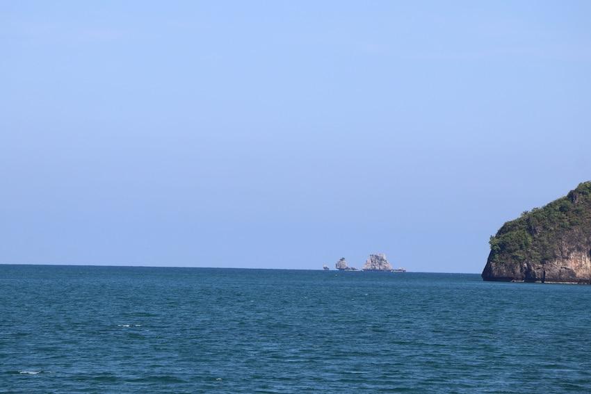Blick auf das blaue Meer und einfach entspannen