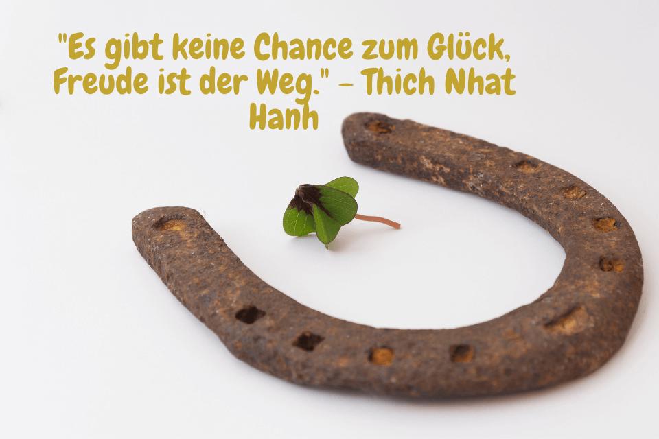 Hufeisen mit Kleeblatt- <figcaption/></noscript>Leben Spruch kurz   Leben Zitat</figure></div>    <p class=