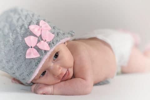 4 atemberaubende Geburts Video - lächelndes Baby