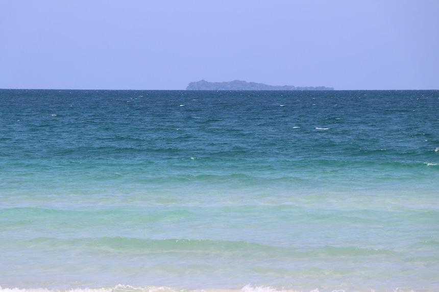 Blaues Meer sanfte wellen