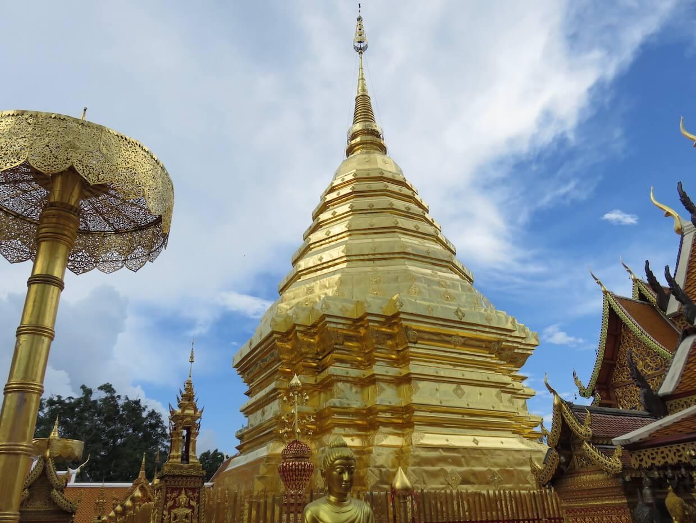 Thai Tempel goldenes grab