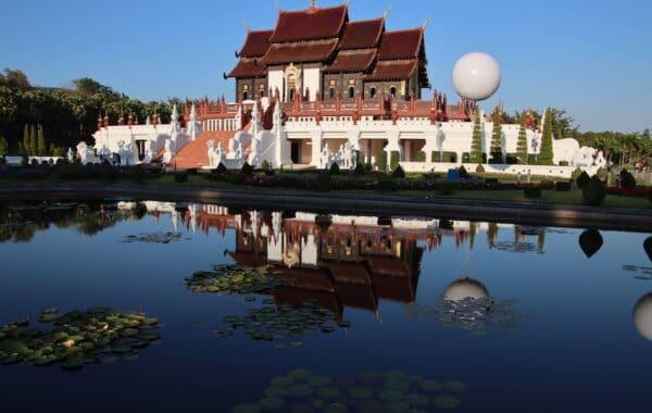 Tempel der Königin Thailand - Wiedergeburt Buddhismus