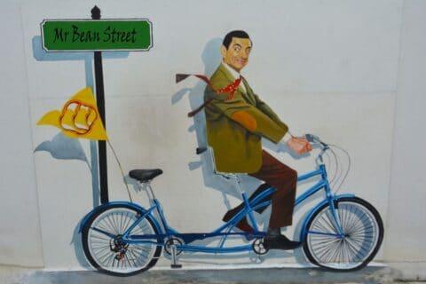 Mr Bean mit kreativen Ideen beim Examen