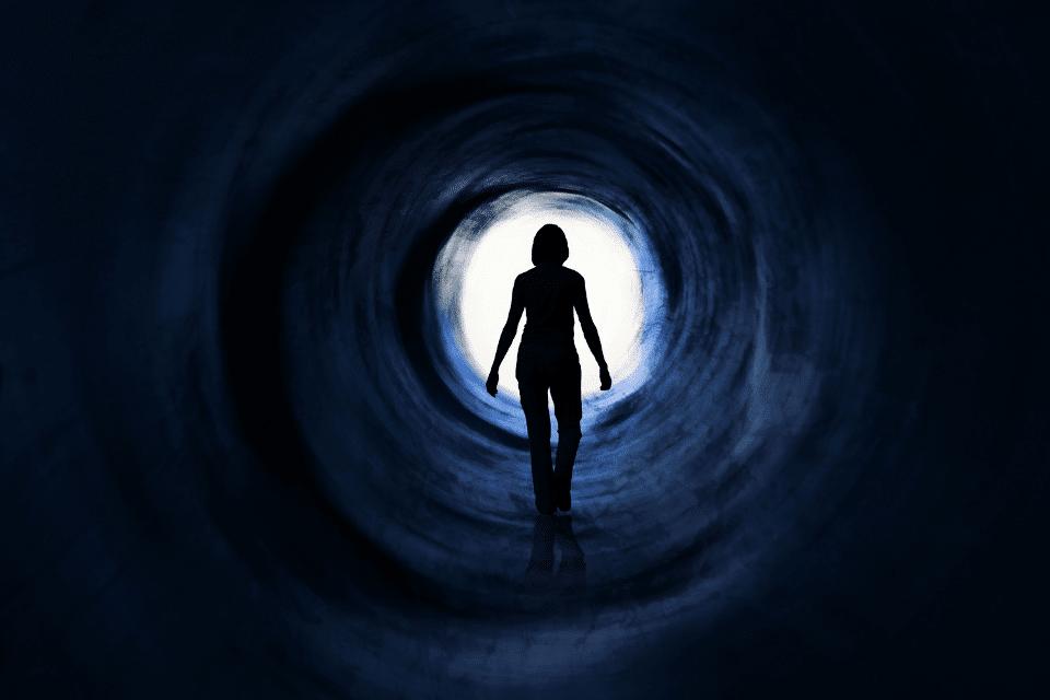 Ein dunkler Tunnel mit Lichtblick - Was passiert, wenn DU morgen stirbst?