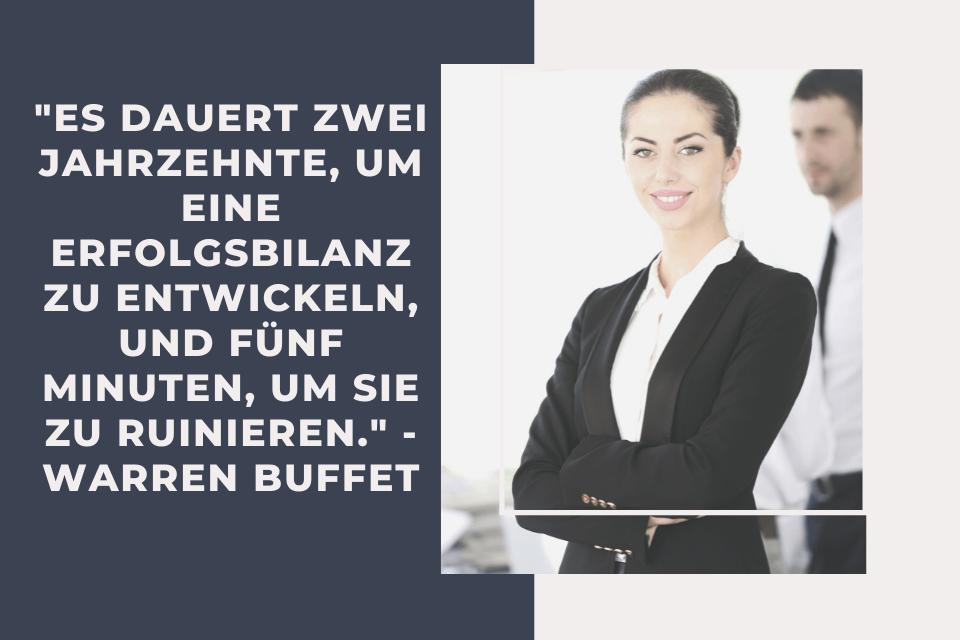 """Eine Frau und Mann heben eine Auseinandersetzung und machen sich Gedanken zum Zitat: """"Es dauert zwei Jahrzehnte, um eine Erfolgsbilanz zu entwickeln, und fünf Minuten, um sie zu ruinieren."""" - Warren Buffet"""